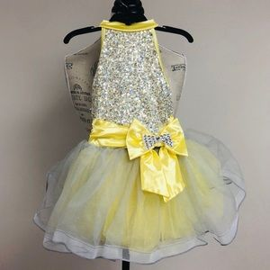 Other - 💛 Sparkly Yellow & Grey Sequin Dance Costume, Bow